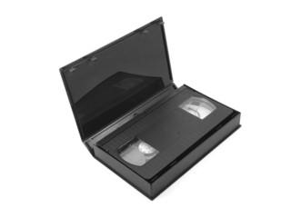 Видеокассета в футляре на белом фоне
