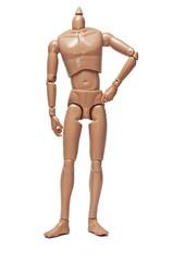 Cuerpo de muñeco sobre fondo blanco