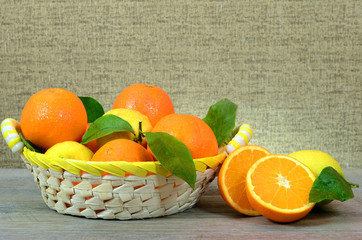 Cesto di arance e limoni