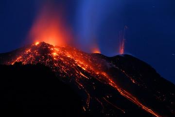 stromboli eruption 9169