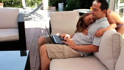 père et fille connectés