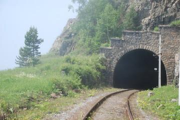 На Кругобайкальской железной дороге