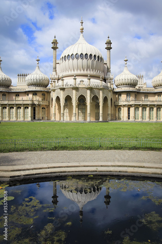 brighton pavillion regency palace england