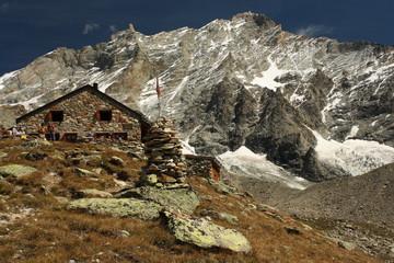 Cabane de Tracuit in Val d'Anniviers