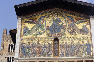 Lucca, San Frediano church: mosaic