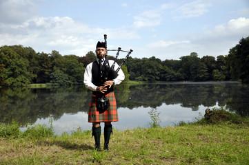 Highland Games Machern 2011 - Dudelsackspieler