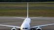 Flugzeug auf dem Vorfeld