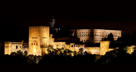 Alhambra de Granada, Nasrid Palaces at night. 10571x5616 p.