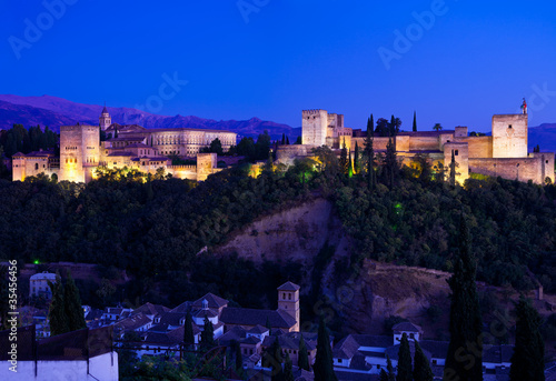 Alhambra de Granada, giant panoramic at dusk. 8175x5616 p.