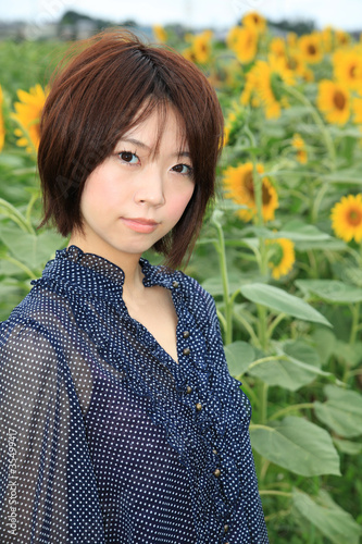 Princess MAIKO Benicio in Sunflower field / Innocent