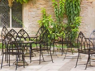 Summer sanctuary in a restaurant courtyard