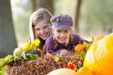 Fototapety girls having fun outdoor in autumn