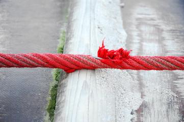 Rotes Seil - Gefahr