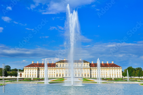 Wasserfontäne am Schloss Oberschleissheim München