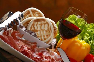cucina italiana, tigelle modenesi