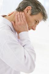 Homme - Entorse  cervicale (Torticoli)