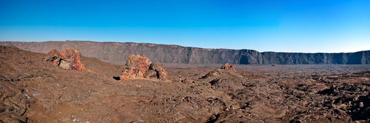 Cratères au Piton de la Fournaise - La Réunion