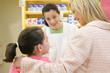 Pharmacienne - Conseils à l'enfant