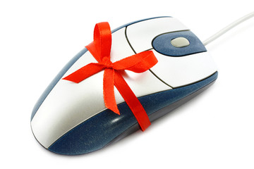 Computer mouse with red bow
