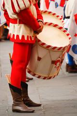 Tamburino nel corteo storico della Rufina per la festa del vino