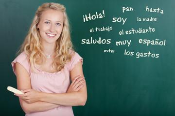 studentin mit spanischen vokabeln