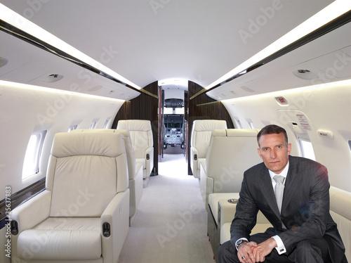 businessman im privatjet von malvine 99 lizenzfreies foto 35637883 auf. Black Bedroom Furniture Sets. Home Design Ideas