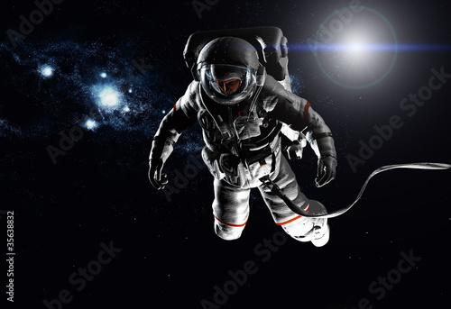 The astronaut - 35638832