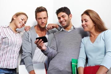 Blick auf Smartphone