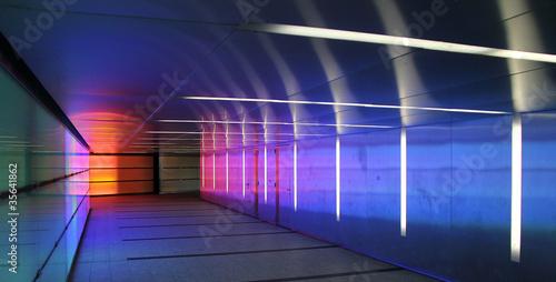 Leinwanddruck Bild colored corridor