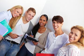Schüler lernen an Schule
