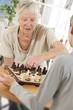 Aide à domicile - Distraire une personne âgée