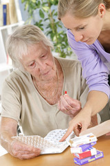 Aide à domicile - Remplissage du pilulier (médicaments)