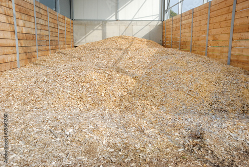 Vorratsbunker mit Holz Hackschnitzel