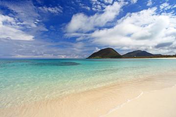 伊平屋島の美しい海辺