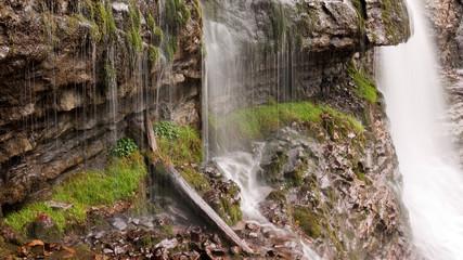 mousse et cascade