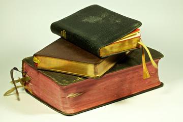 libri di preghiera e rosario