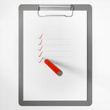 Klemmbrett mit Checkliste und Stift