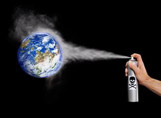 Contaminando el planeta tierra.