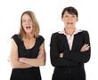 Zwei Frauen erschrocken