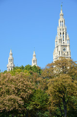 Les clochers de l'hôtel de ville de Vienne