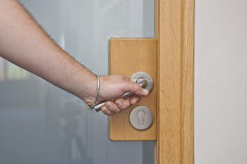 Tür öffnen © Matthias Buehner