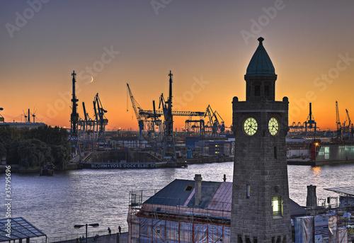 Hamburger Hafen Landungsbrücken