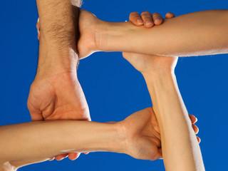 Hände bilden ein Quadrat