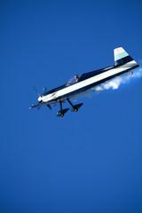 aereo monoposto in picchiata