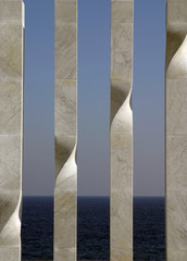Columnas de granito y mar