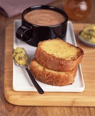 Brioche façon pain perdu à la compote pomme-poire-kiwi