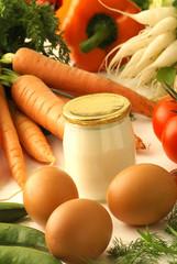 legumes frais et yaourt