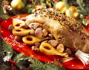 Oie aux épices, poires et marrons confits