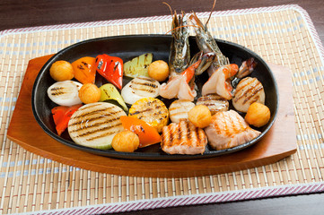 seafoods with vegetable