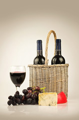 red wine cheese and grapes